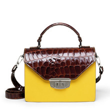 Ganni Gallery Accessories taske i brun og gul