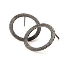 Pernille Corydon Open Coin ørering i oxideret sølv