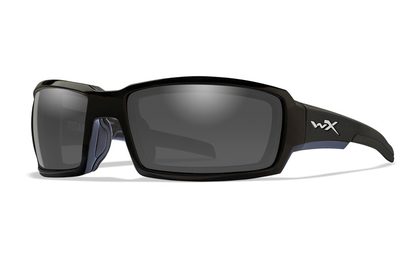 134185d29d TITAN Polarized Smoke Grey br   Gloss Black Frame
