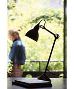 Lampe Gras 205 Bordlampe Sort - Kobber fra DCW Éditions
