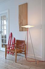 Sinus 440 Gulvlampe med rød ledning - Piet Hein