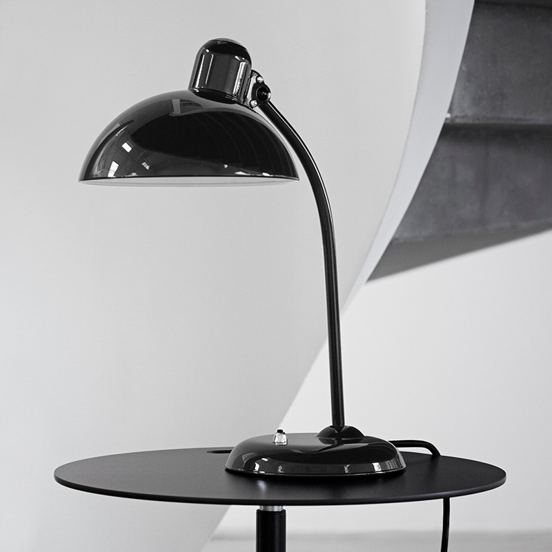 kaiser idell 6556 bordlampe fra fritz hansen k b online designlite. Black Bedroom Furniture Sets. Home Design Ideas