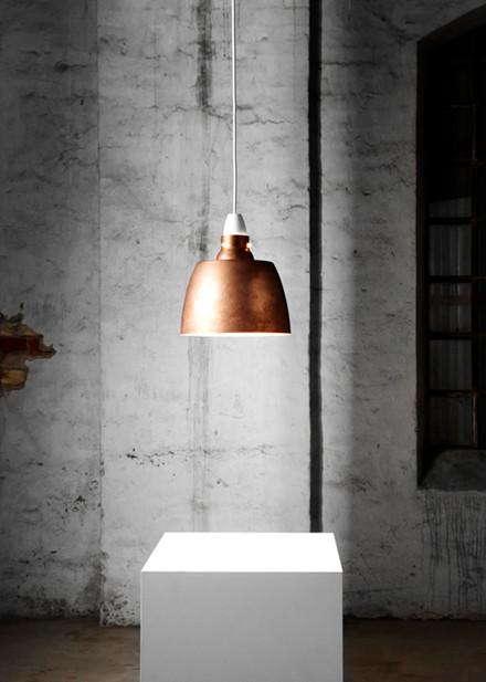 New Works Hang on Honey lampe, Rå kobber