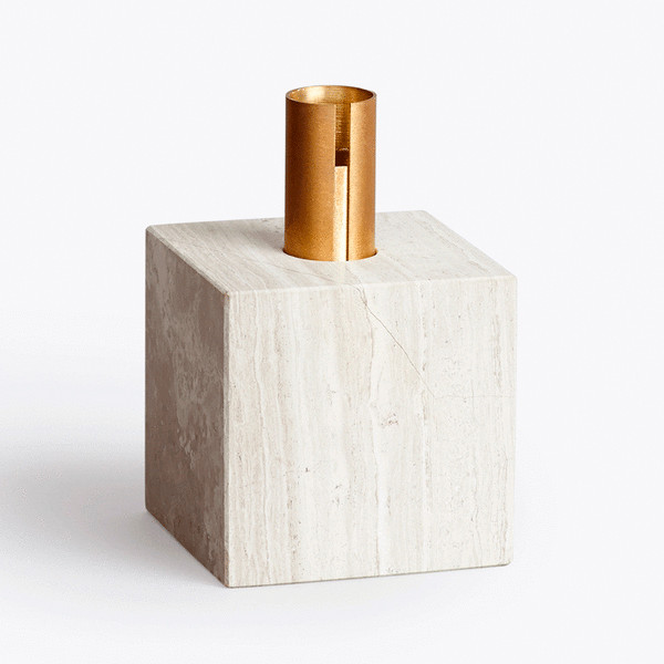 New Works Block Candle holder lysestage i lys marmor