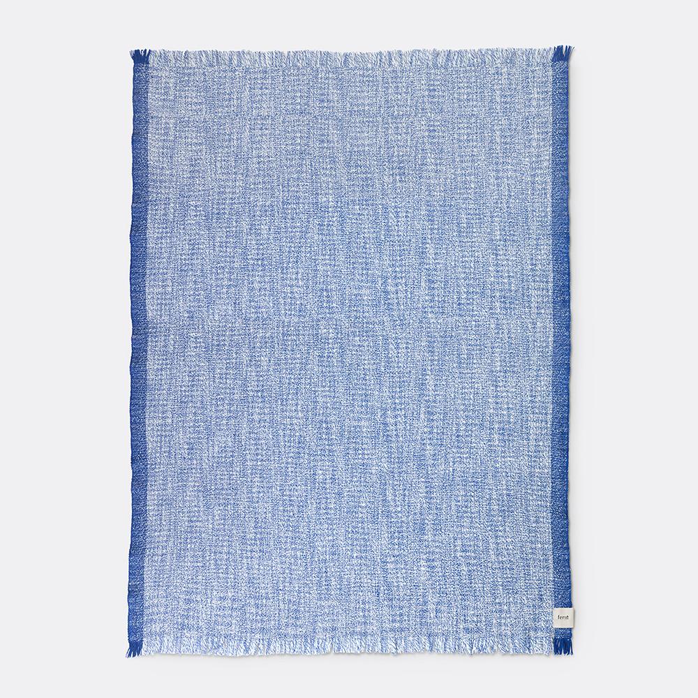 Ferm Living Enfold uldplaid, blå/hvid