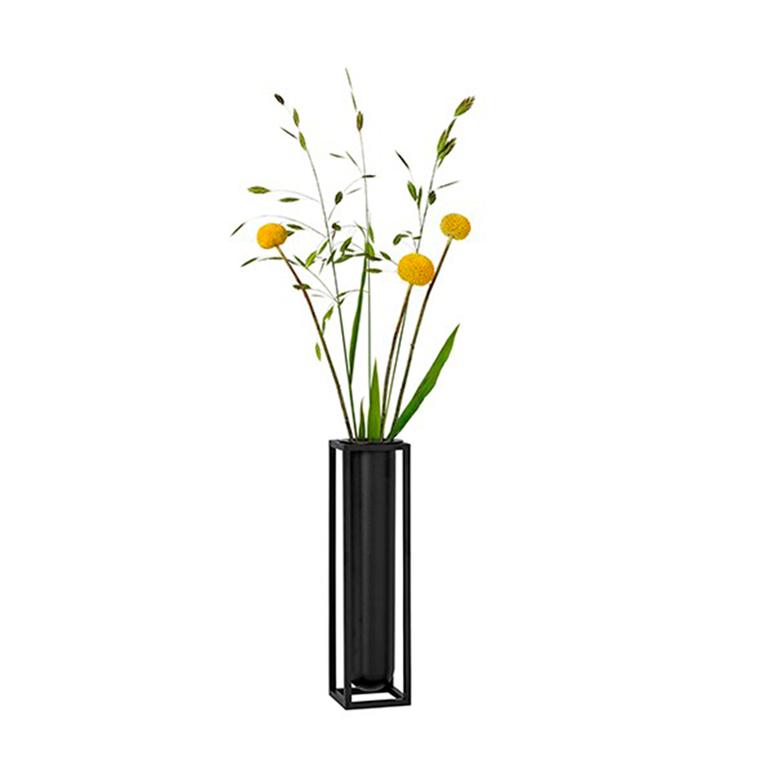 by Lassen Kubus Flora vase
