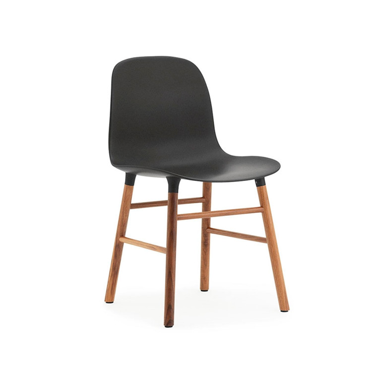 Normann Copenhagen Form Chair, Valnød