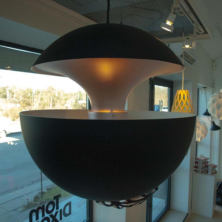 Here Comes The Sun pendel, sort og kobber - udstillingsmodel