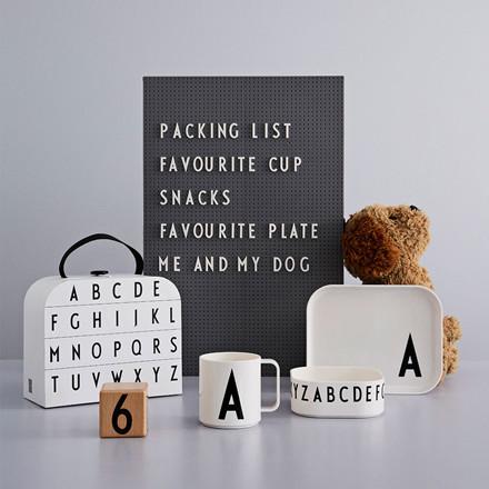 Design Letters Classics in a suitcase, gaveæske