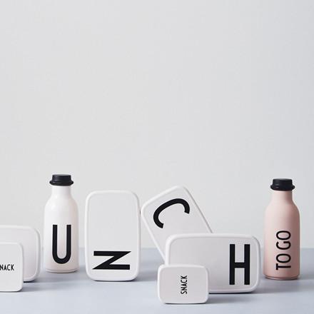 Design Letters To Go Vandflaske, Pink