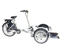 E-tricycle for wheelchair
