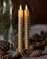 SaraTall Wave, 2-pack dinner candles. Gold Ø:2cm H:25cm movable flame