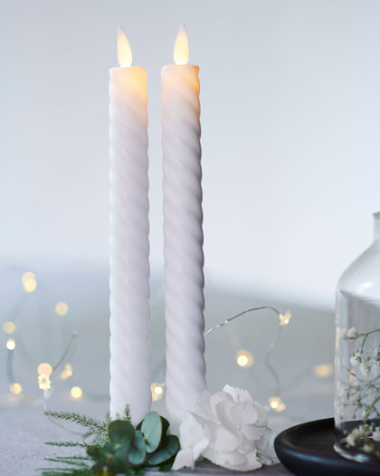 Sara Tall Wave 2-pack Dinner Candles white Ø:2 H:25cm movable flame