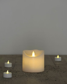 Sara candle almond H:9cm moving flame