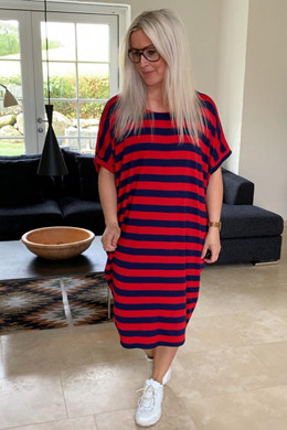 5ef8c6f7 Paris oversize dress, RED/BLUE STRIPE - Viscose kjole fra New Wear